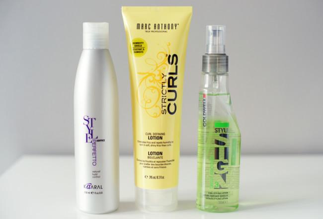 3 produkty podkreślające skręt włosów