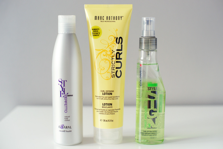 kosmetyki podkreślające skręt włosów