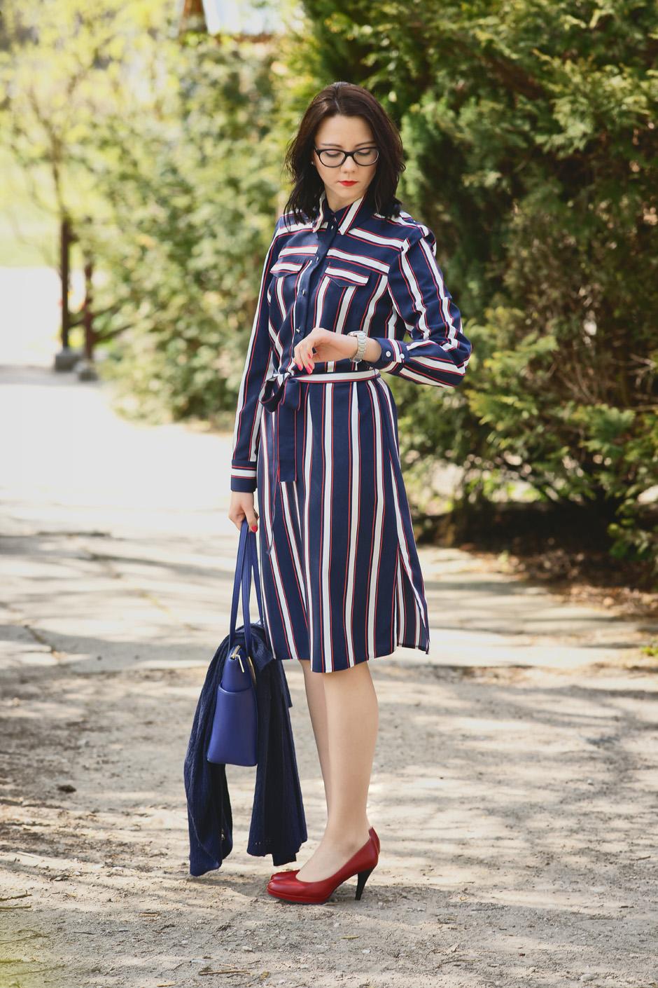 innooka stylizacja szmizjerka długi sweter wiśniowe szpilki (12)
