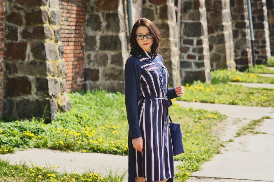 innooka stylizacja szmizjerka długi sweter wiśniowe szpilki (6)