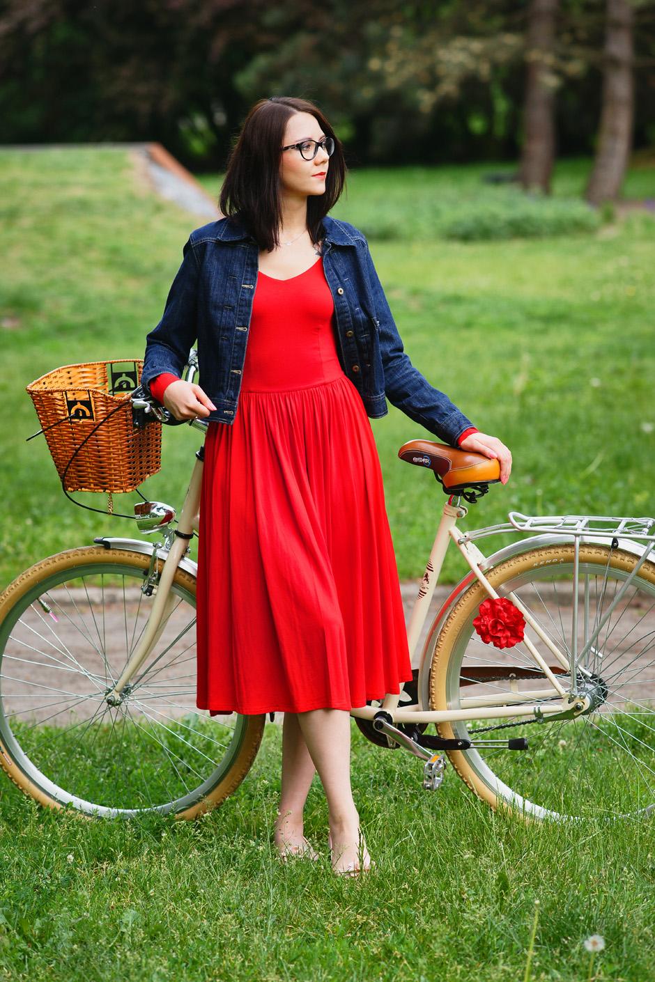 sukienka czerwona risk made in warsaw gotowa na wszystko, pudrowo różowe zaxy (2)