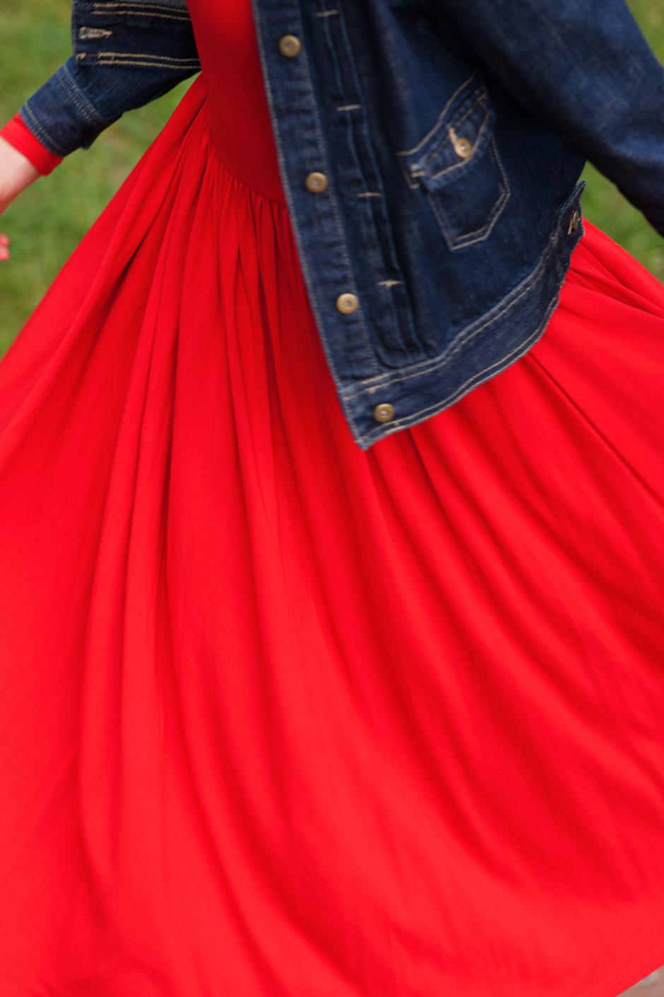 sukienka czerwona risk made in warsaw gotowa na wszystko, pudrowo różowe zaxy (7)