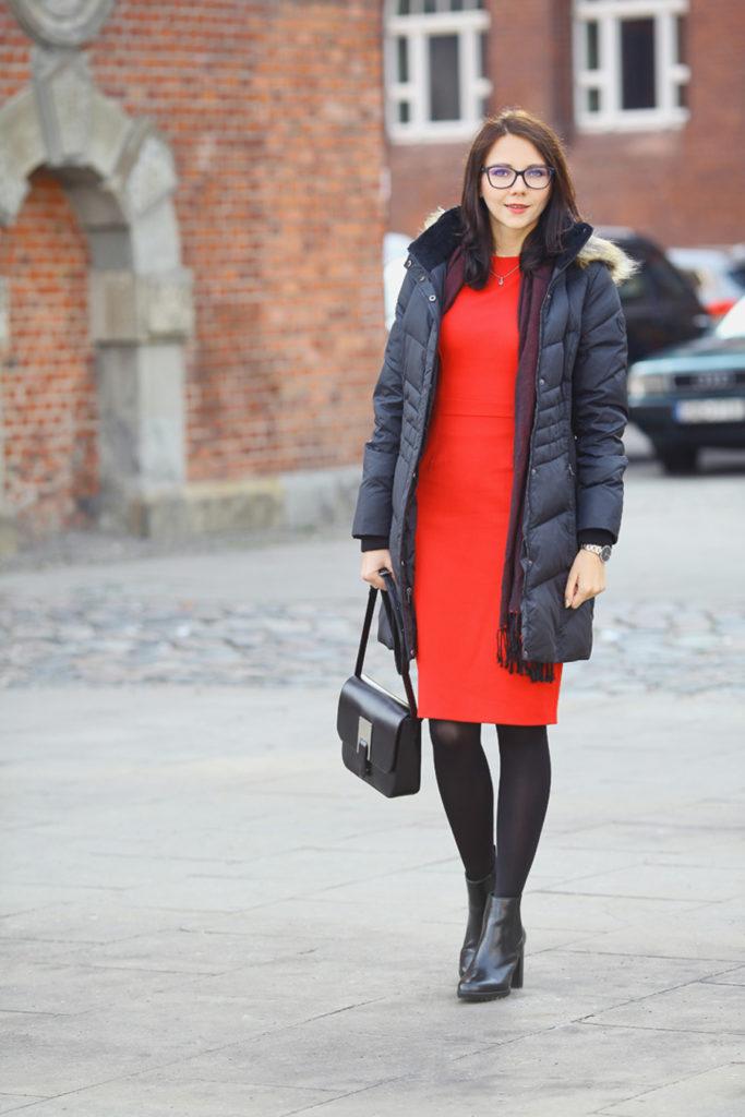 co-ubrac-w-zime-zeby-ladnie-wygladac-sukienka-i-kurtka-9
