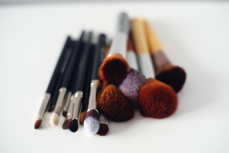 najlepsze pędzle do codziennego makijażu
