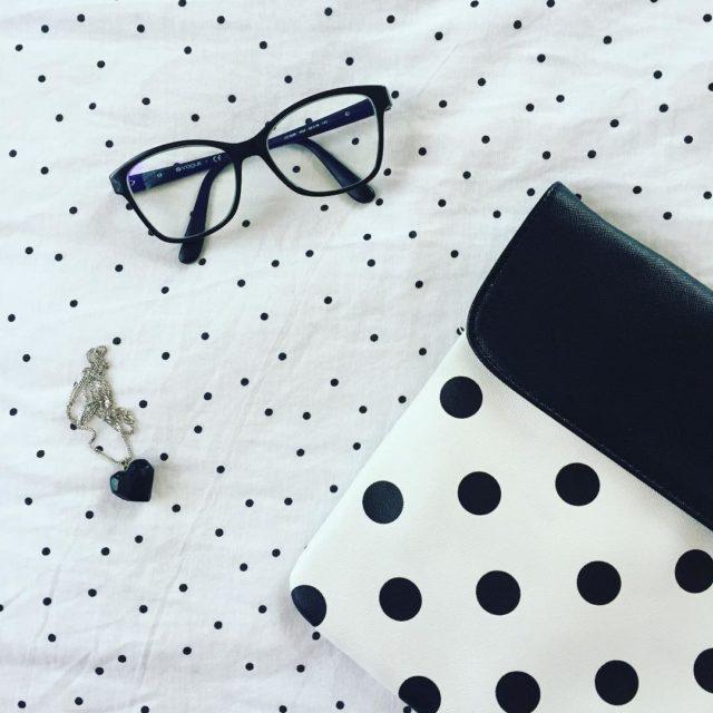 kropki black white dots glasses bag okulary kopertwka torebka naszyjnikhellip