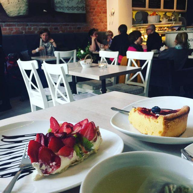 ciacho herbata omnomnom yummy pycha lavendacafe gdynia cake teatime gdyniahellip
