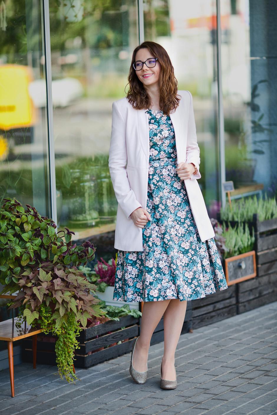 sukienka marie zelie kaja w kwiaty turkusowa