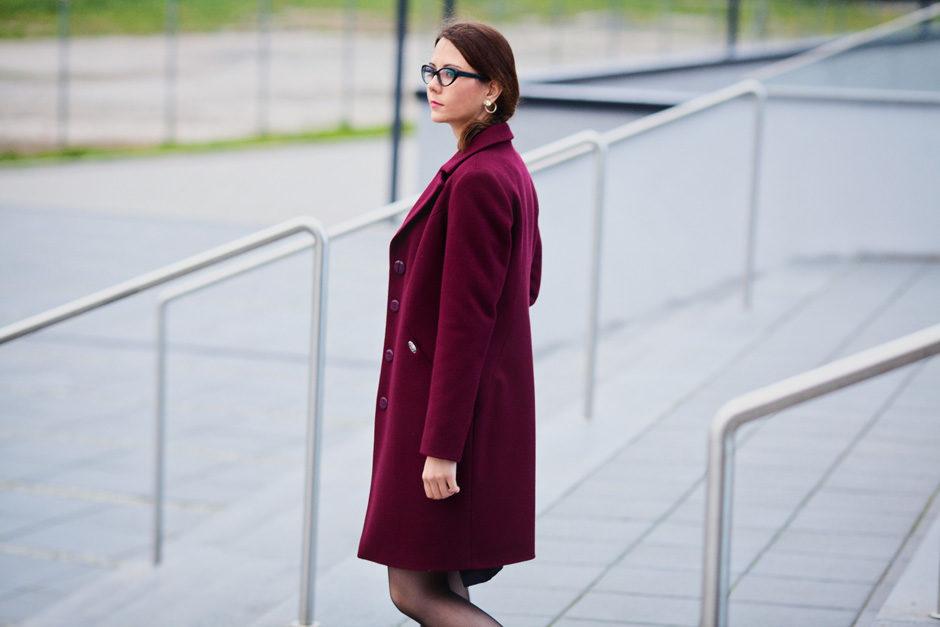 bordowy płaszcz na jesień i zimę essa trends