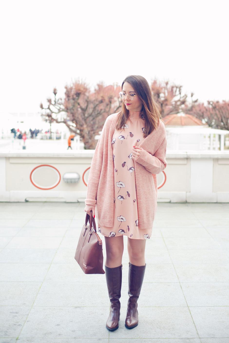 74338338bde16 Sukienka i sweter Vero Moda | Kozaki i torebka Kazar | Zegarek Lorus (Time  Trend)