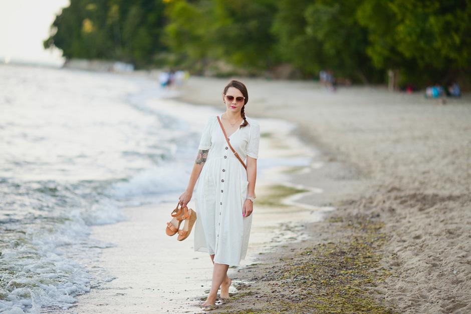 sukienka zara na lato kremowa