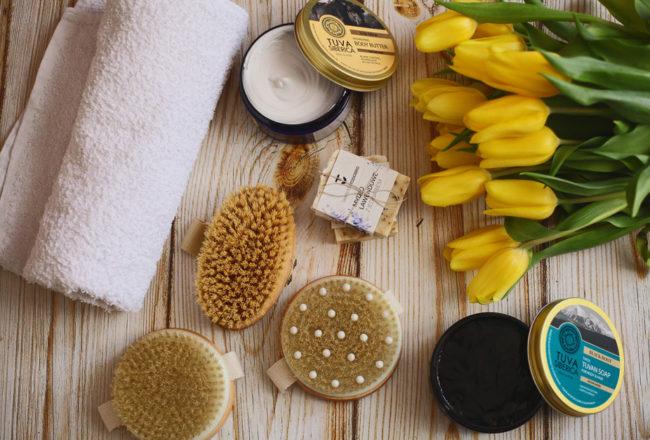 Szczotkowanie ciała na sucho - lepsze niż peeling?