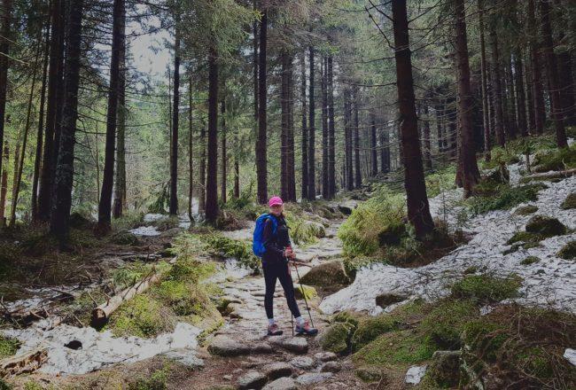Majówka w górach. Jak dobrze i niedrogo się ubrać w góry?